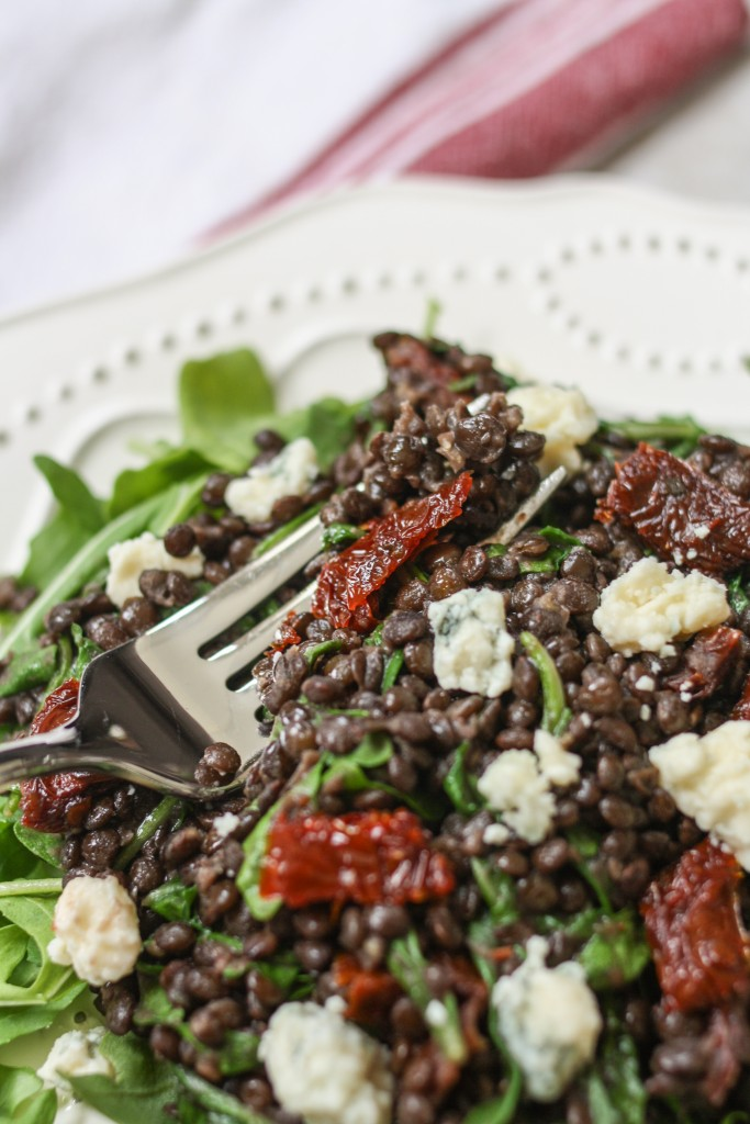 Lentils with Sun-Dried Tomatoes, Gorgonzola, and Arugula